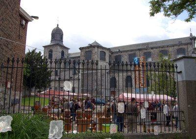 Biennale de la céramique 2006 - Marché des potiers - place du Chapitre (25)